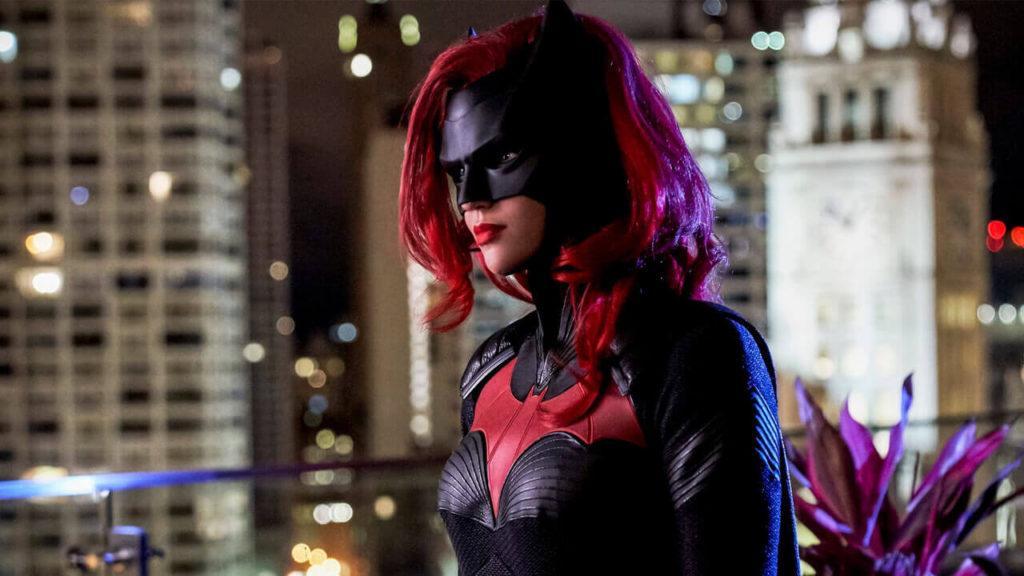 Кадры из сериала Бэтвумен 2 сезон