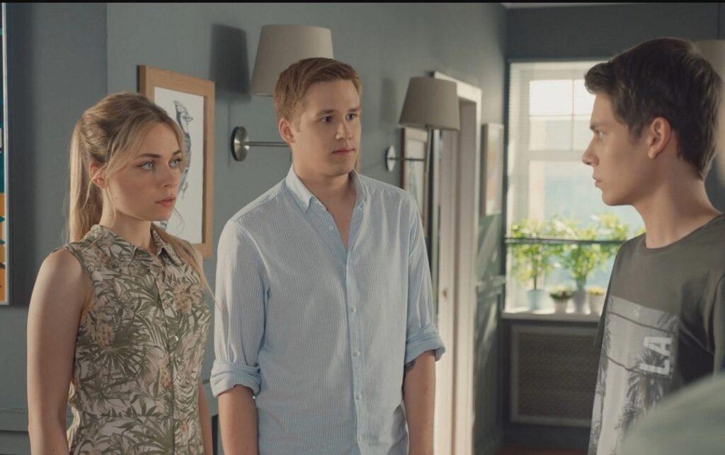 Кадры из сериала Своя семья 2 сезон